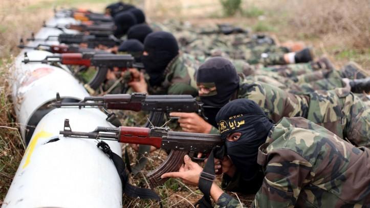 Estado Islâmico é financiado por pilhagem, sequestros, petróleo e investidores