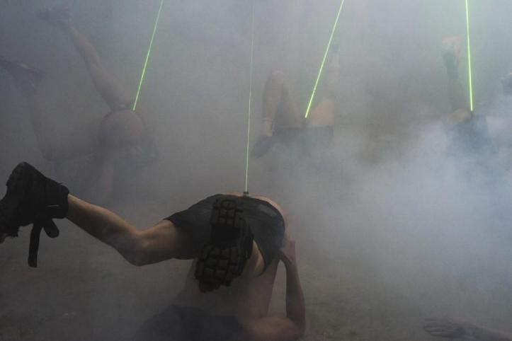 """Você pode enfiar lasers no reto e dizer que é """"arte"""", mas não vai passar de sexo anal. E se for paga com dinheiro público: os sodomizados somos nós."""